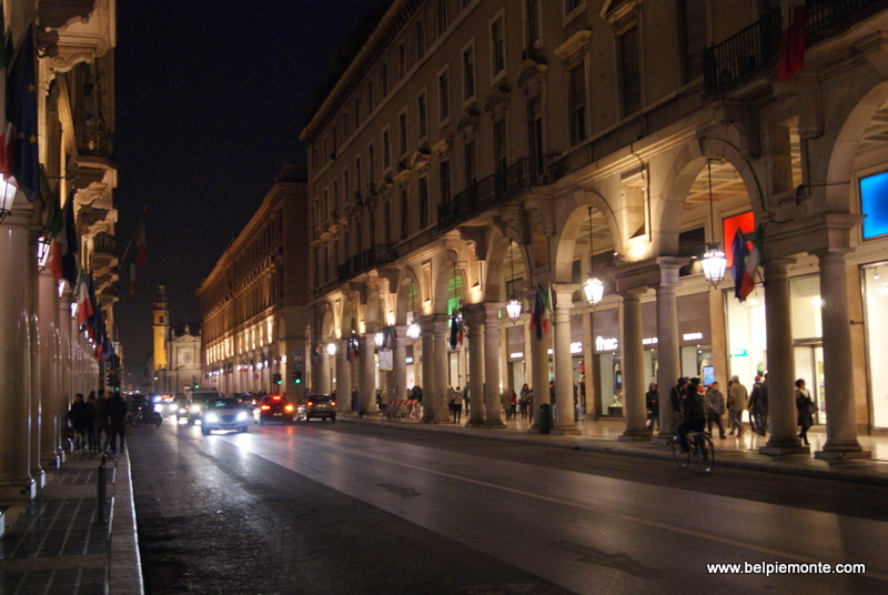 Via Roma, city center