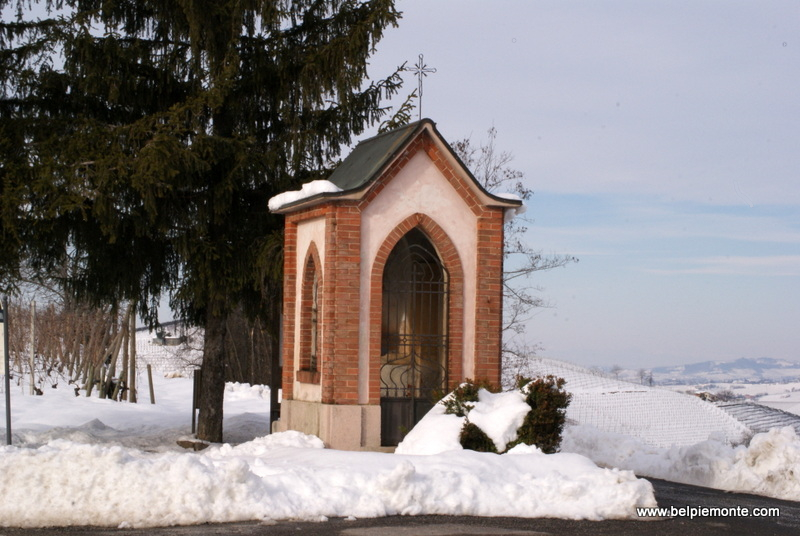 one of many chapels in the Langhe area