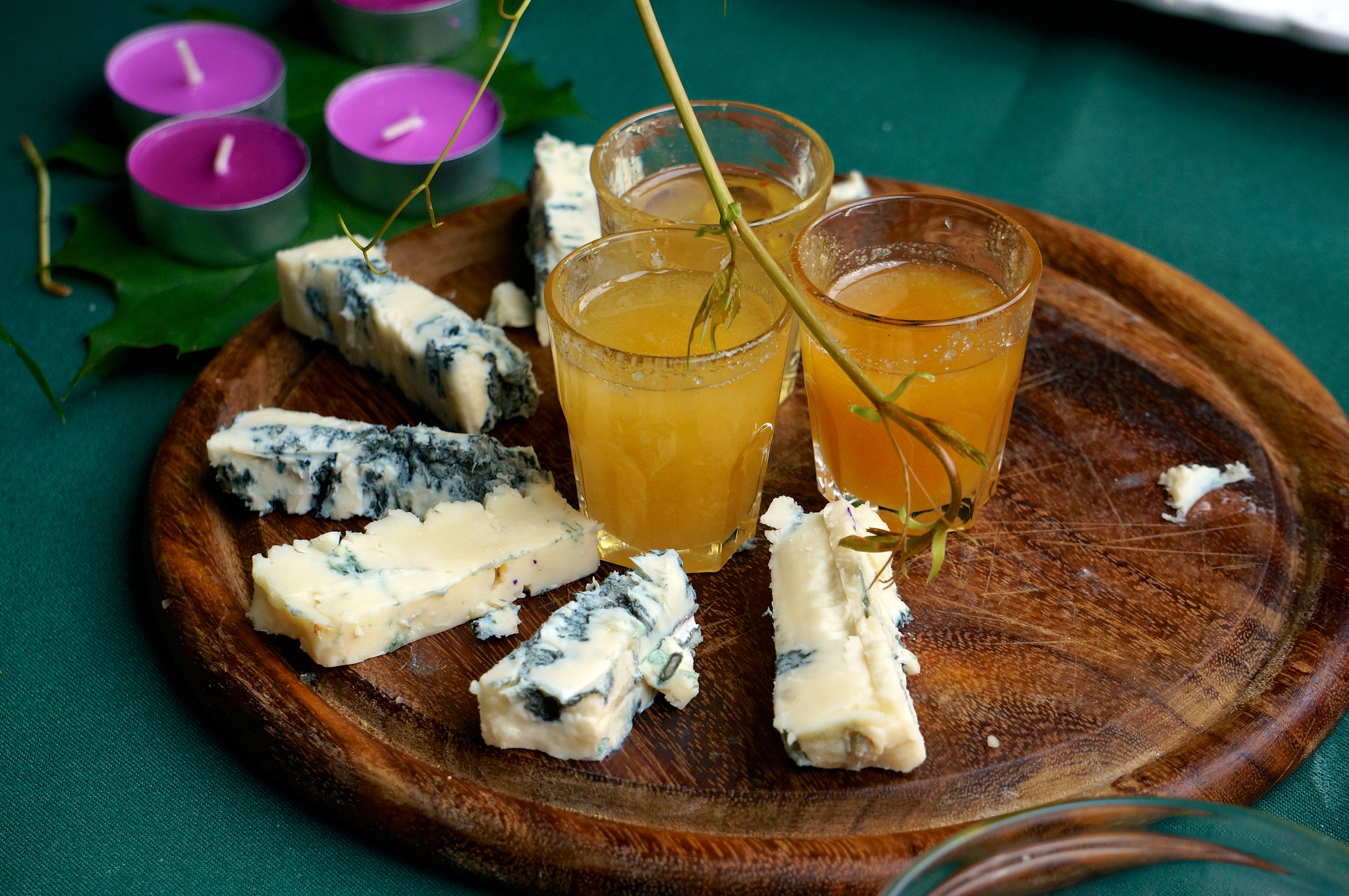 Gorgonzola with honey