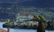 Il romantico design del Lago d'Orta